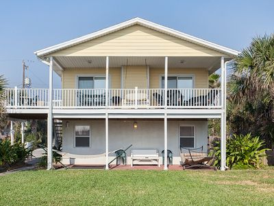 Spend lazy days at Barefoot Beach House