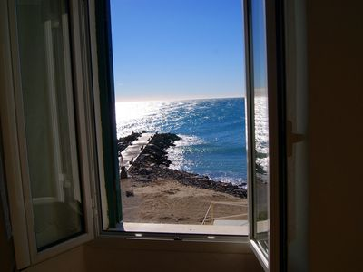 10 mt from beaches, sea view, 6 persons, shared terrace, ideal for families.