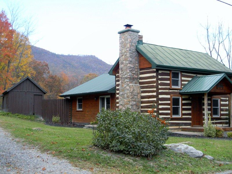 Beautifully Appointed Log Cabin Features Homeaway Luray