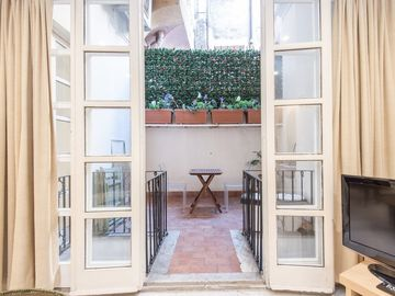 Apartment in the center of Rome with Internet, Air conditioning, Lift, Terrace (9799)