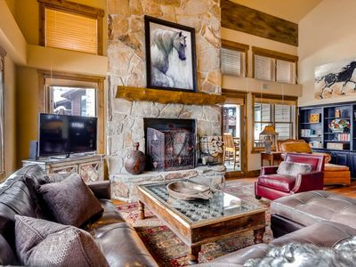 Stunning Deer Valley Silver Lake Condo With Beautiful Mountain Views