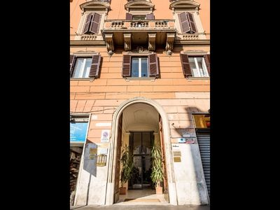 Spacious and elegant apartment located in the heart of Rome near the Vatican