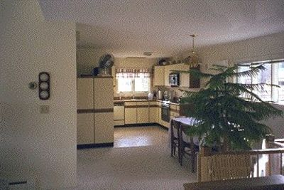Boothbay Harbor house rental - Kitchen and dining room