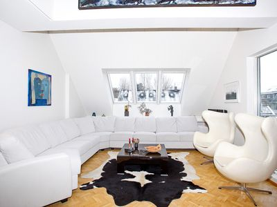Luxury Penthouse Apartment, Downtown, Beside City Hall
