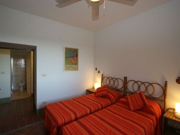 La Collinaccia First Floor, twin bedroom