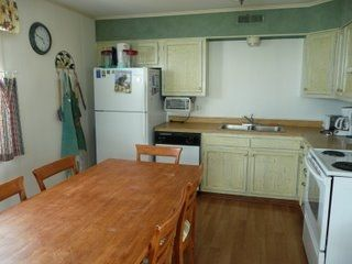 Fully Equipped Kitchen with Dining Table