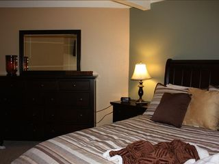 Mammoth Lakes condo photo - Queen Room