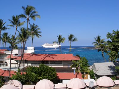 Kailua Kona condo rental - View of the Pier from the lanai