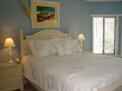 Large master bedroom with all new linens! Also great view of lake!
