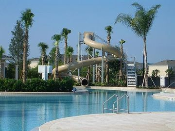 Fabulous three story waterslide! Community Center just 3 blocks away!