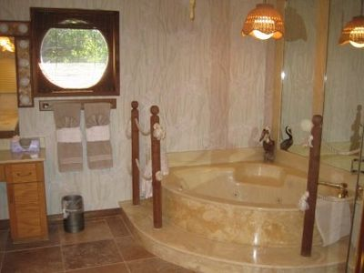Marathon house rental - Enjoy the jetted tub!