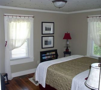 Queen size bed in Master BR. BR2 is a full bed and the upstairs BR has twin beds