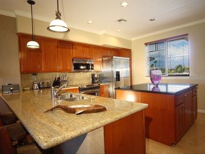 Large Gourmet Kitchen With Island, Granite Counters, Stainless Appliances!