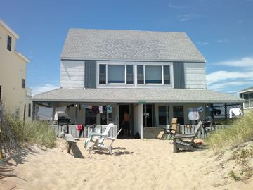 Oceanfront House in Summertime!