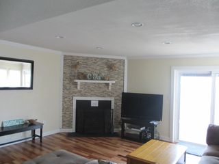 Virginia Beach house photo - Living Room with cable & internet