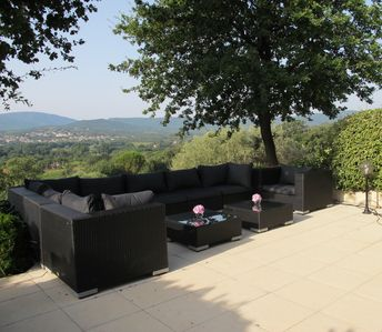 Villa with South terrace, garden, pool, stunning views close to St Tropez