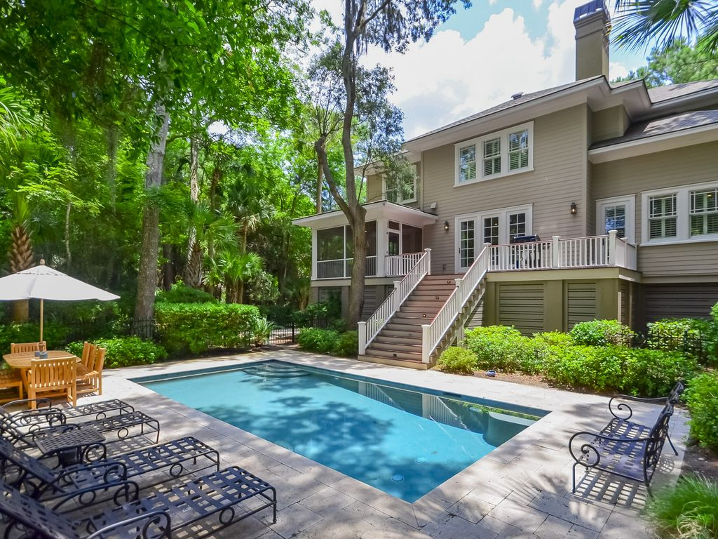 Beautiful 5 bedroom home heated pool vrbo for 5 bedroom house with pool