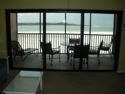 Direct oceanfront with large screened lanai