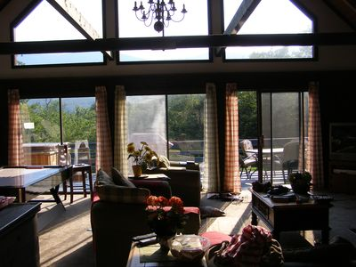 North Conway chalet rental - Light streaming into the open plan lounge