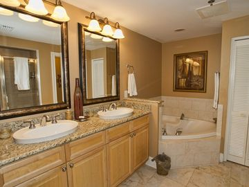 Master Bath, Granite Counter Tops, Travertine Floor Tile
