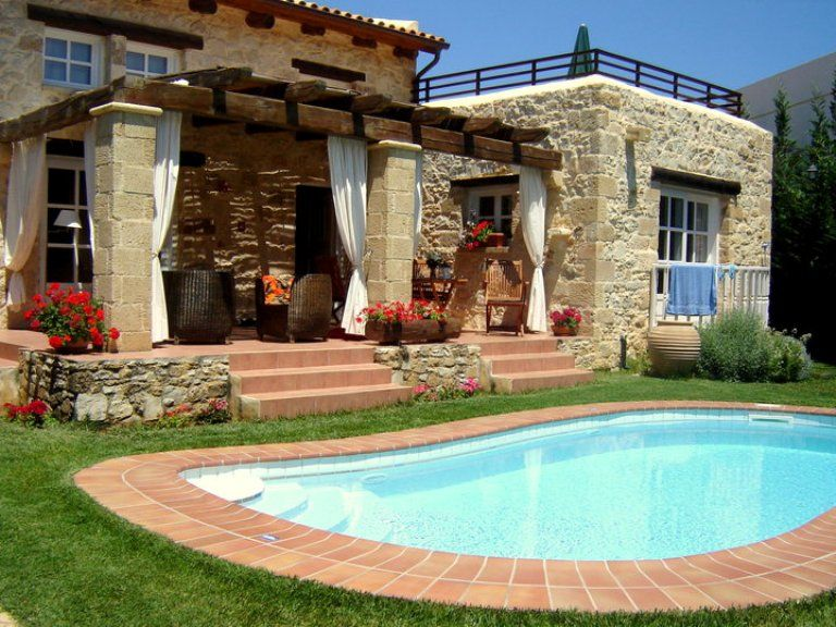 Luxury accommodation, 120 square meters, close to the beach