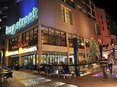 Baystreet - for shoppings, cafes, nightlife
