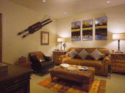Teton Village lodge rental - Cozy entertainment room with queen pull out bed