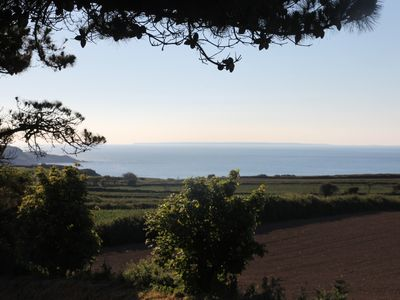 Rural location, stunning view of the sea, direct access to cliff paths