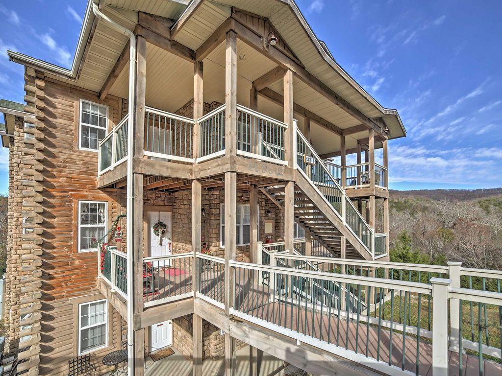 New 2br branson condo w indoor heated pool vrbo for Branson mo cabins with indoor pool
