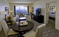 1,200sf 1BR/2BTH Oceanfront Apartment in 5 Star Hotel