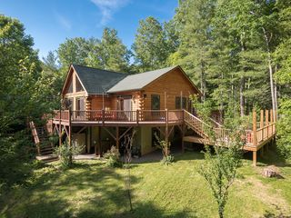 Secluded w hiking trails pet friendly homeaway for Cabin rentals near hiking trails