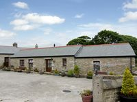 COW SHED COTTAGE, family friendly, with a garden in Mabe, Ref 1334