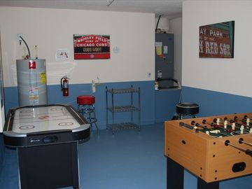 Air hockey, Electronic darts, Foosball