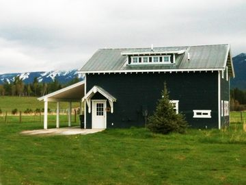 Whitefish bungalow rental - Guesthouse front, the Whitefish Mountain Resort can be seen in the background.