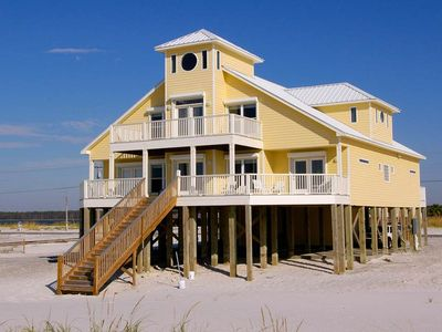 Yellow Rose: 7 BR / 7 BA house in Gulf Shores, Sleeps 14