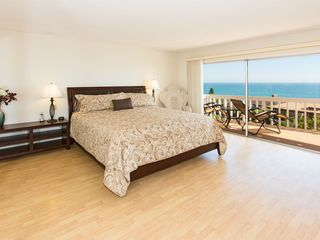 Malibu villa photo - Master Bedroom with King Size Bed, Balcony and 180 degree Ocean View