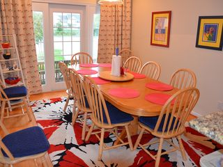 Ocean View villa photo - Bright breakfast room seats 10 for sunny breakfast and lunch.