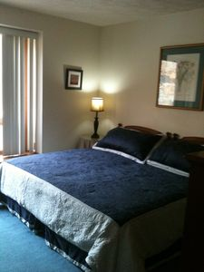 second master suite w/ king bed and trundle bed
