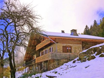 approx. 600m away from a 4seated express chair lift, your entrance to the ski area 'Portes du Soleil'