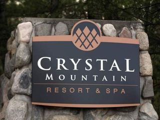 Crystal Mountain, Thompsonville house photo - Ski-N-Tee Deluxe Resort Home on golf course