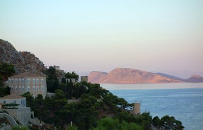 Two artistic, independent, cozy apts with panramic view to Hydra island.
