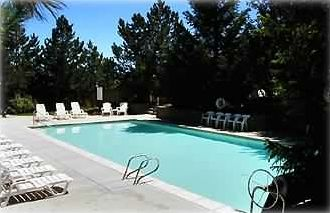 Red Pine Condo: Upper pool at Clubhouse in Park City