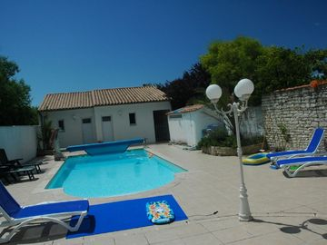 Location vacances bungalow ILE DE RE - Rivedoux Plage: La Piscine