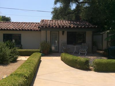 Affordable, Beautifully Decorated Guest House;  Walk to Town and Ojai Valley Inn