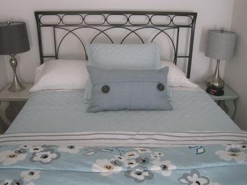 Murphys house rental - New queen size pillow top mattress set