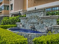 Luxurious, 4 bedroom condominiums, amazing views and convenient located