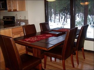 Tahoe Valley condo photo - Elegant Dining Area