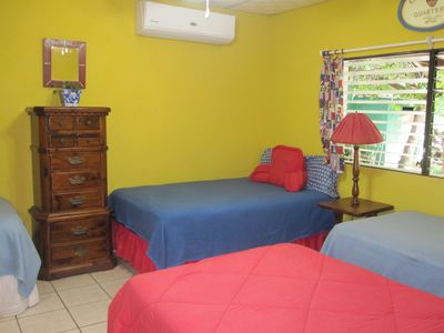 4 beds and private full bath.2 double & 2 single. All bedrooms have ceiling fan