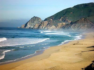 Only a five minute walk to the beautiful Montara State Beach