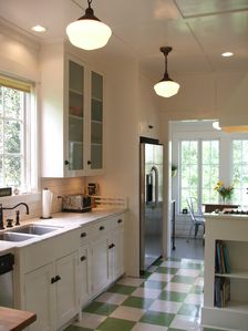 Period details with marble counters in the fully equipped kitchen.